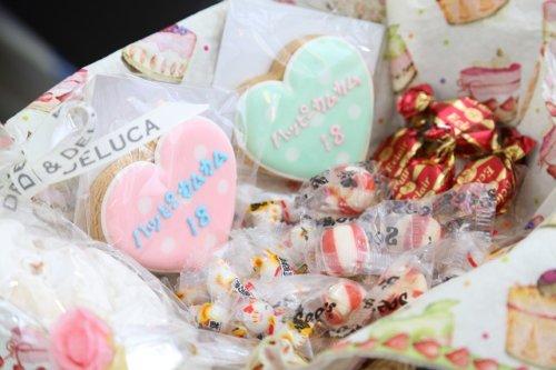 ハッピーカムカムの周年記念アイシングクッキー