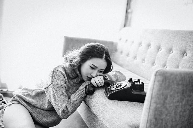バツイチ子持ち女性が再婚できずに泣いている