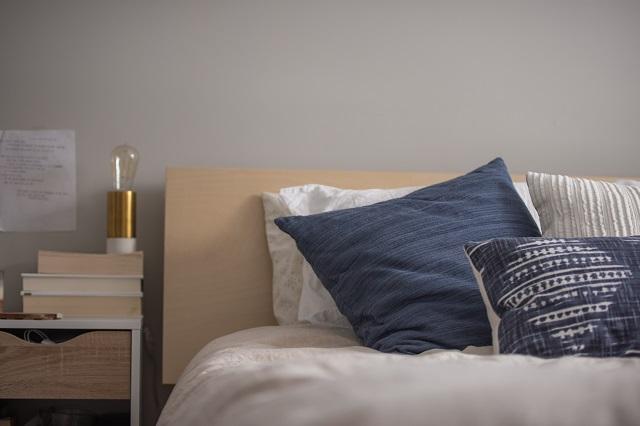 浮気の夢を見たあとのベッド
