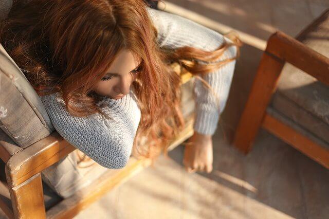 結婚相談所で出会う人がサクラばかりで落ち込む女性