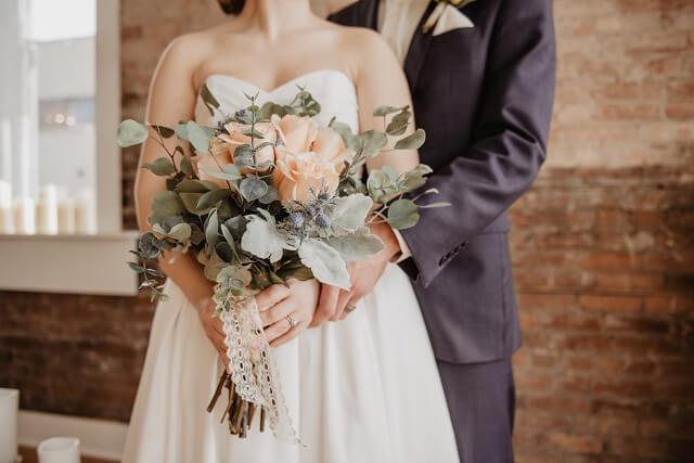 婚活を経て再婚式を挙げる二人